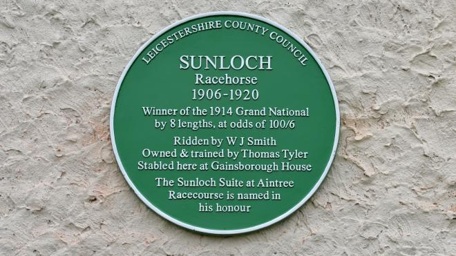 Green Plaque Sunloch