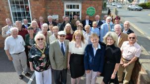 Green plaque unveiled on former school in Hugglescote