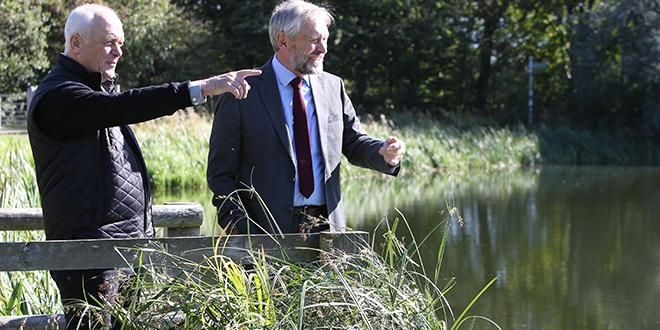 Nick Rushton, county council leader, and city mayor Sir Peter Soulsby, to discuss plans for a permanent link between the north and south sections of Watermead Country Parks.